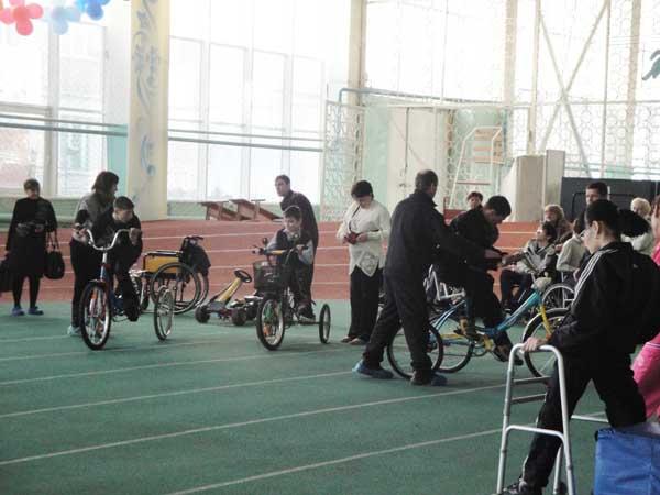 Нижнекамские инвалиды провели спортивно-развлекательное мероприятие