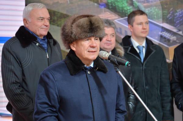 Дубровский сРашниковым заложили камень воснование нового завода вТатарстане